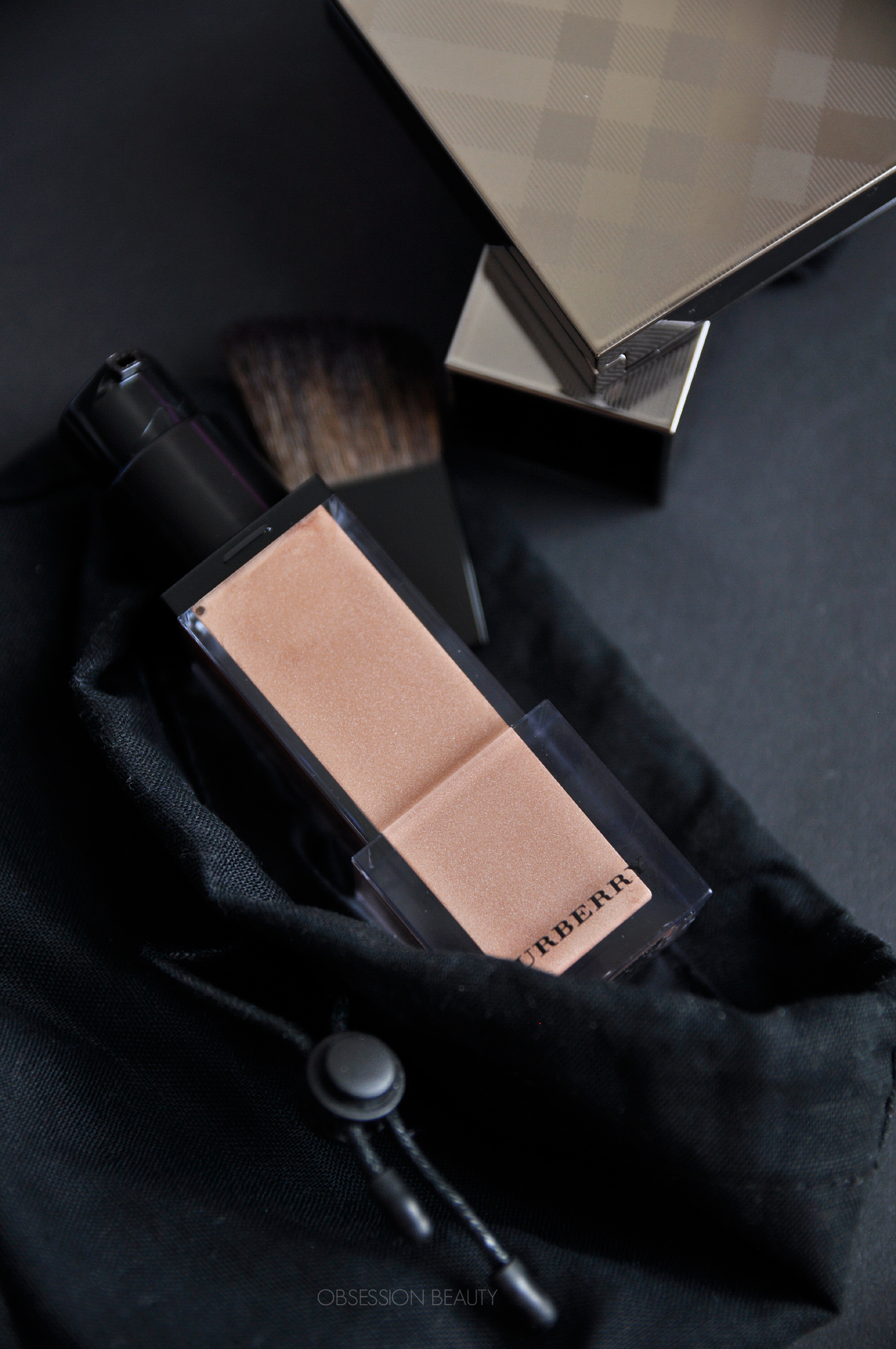 Burberry-Fresh-Glow-Luminous-Base3